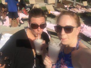 pool side drinks at Mom 2.0
