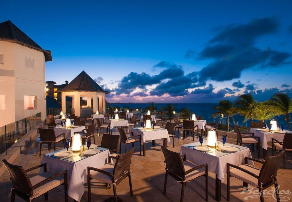 Dining with Hypothyroidism at Beaches Resort in Turks and Caicos #thyroid #thyroidhealth #hypothyroid #hypothyroism #hashimotos #dietaryrestrictions #restaurantsatbeaches #beachesmoms #beachesturksandcaicos #beachesresorts #skyrestaurant