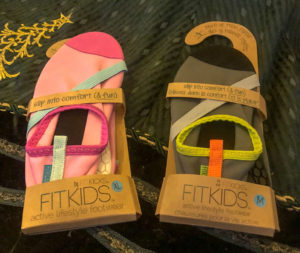 FitKids Girls Pink, FitKids Boys Grey #fitkickslife #fitkicks #shoe #watershoe #comfortableshoe #beachesmoms #beachshoe #fitkickscanada #comfyshoe