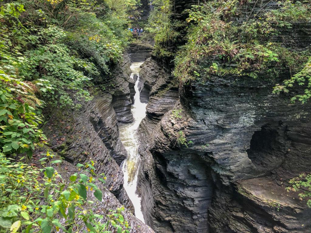 Watkins Glen State Park, New York, Gorge Trail #sentrybridge #chasingwaterfalls #momswhohike #friendswhohike #hikingday #waitwhatseries #waterfallchasers #myFLXtbex #watkinsglenstatepark #watkinsglengorgetrail #watkinsglengorge #upstateNY #fingerlakes #watkinsglen #racinghistory #upstatenewyork #iloveny #hikingmom #hikingadventures #womenwhohike #girlswhohike #sheexplores #empirestateofmind #empirestate #sheadventures #liveyouradventure #wildnewyork #hikeNewYork #choosewaterfalls #newyorkhike #senecalakearea