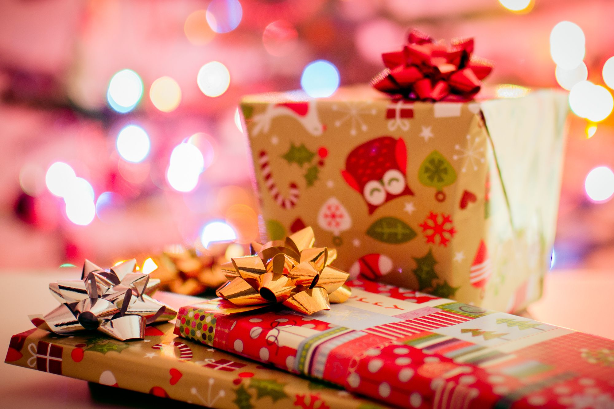 THE ULTIMATE HOLIDAY WISH LIST FOR THE TRAVELING KID #holidaywishlist #travelingkid #kidpresents #fitkickslife #stockingstuffers #welltraveledchild