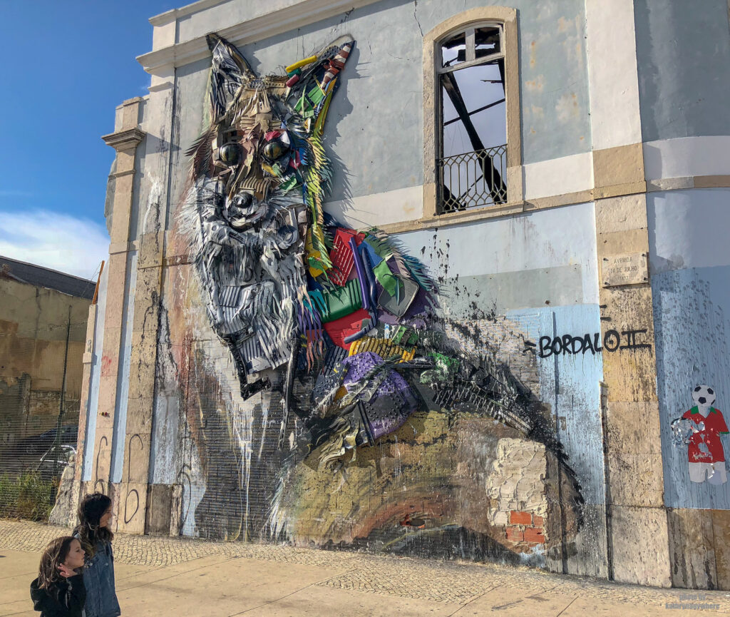 Raposa de Bordalo II - trash raccoon. Street art found in Lisbon by artist If you have a chance, definitely check out Bordalo II's trash animals in different cities, these are super cool