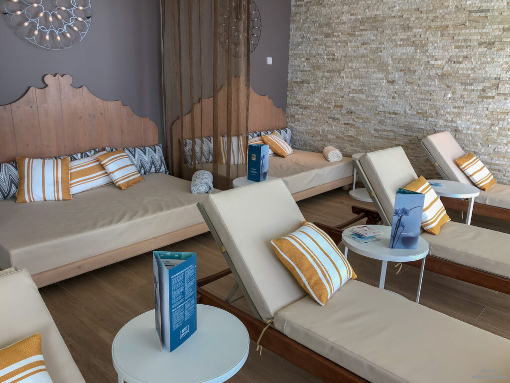 This is where you relax pre and post treatments at the Cinq Mondes Spa