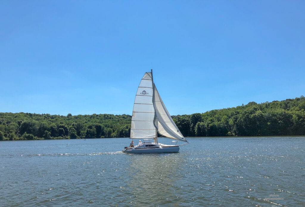 sailing around Lake Arthur
