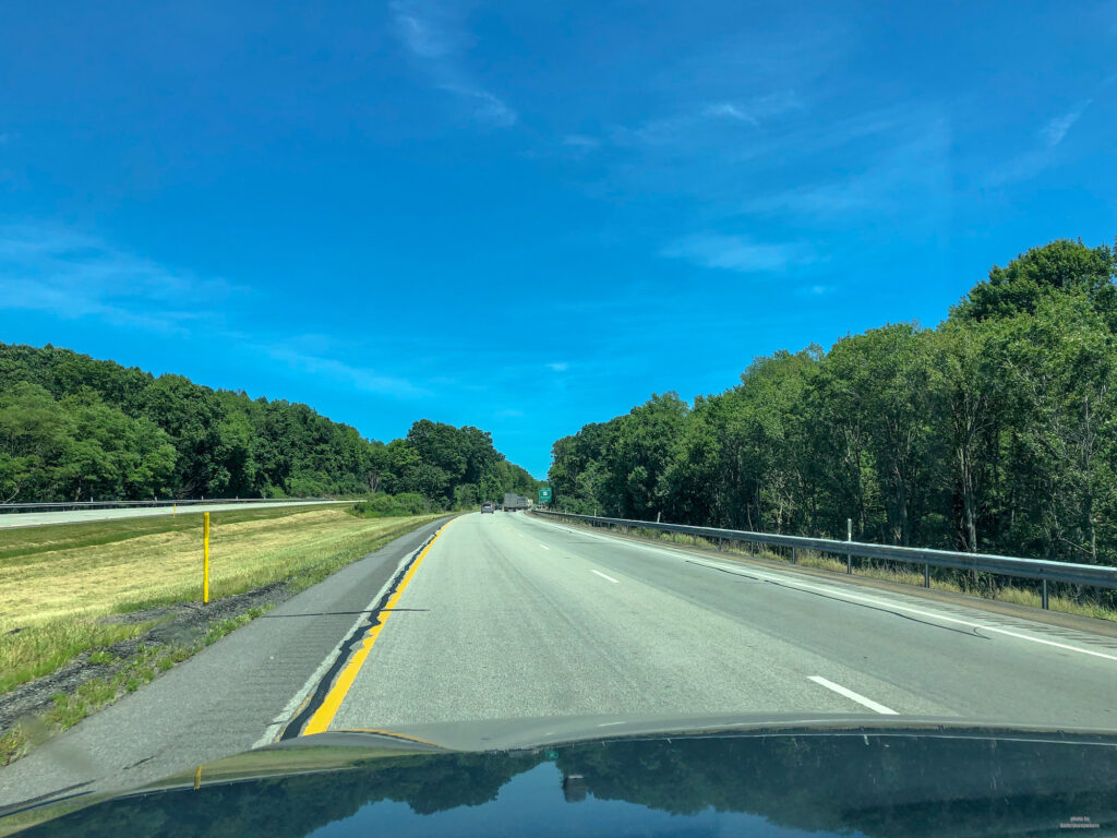 Road trip in Pennsylvania! Wide open roads on the highway to State College from Butler County. By the way, it looks like Ontario highways.