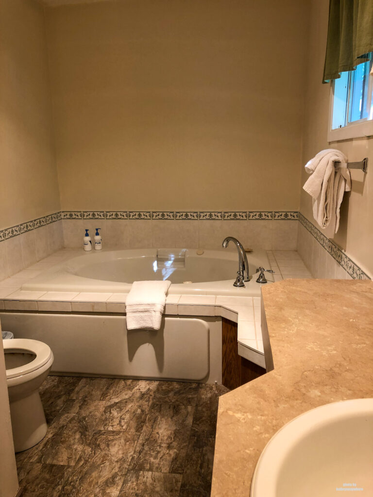soaker tub in two bedroom cottage at viamede resort