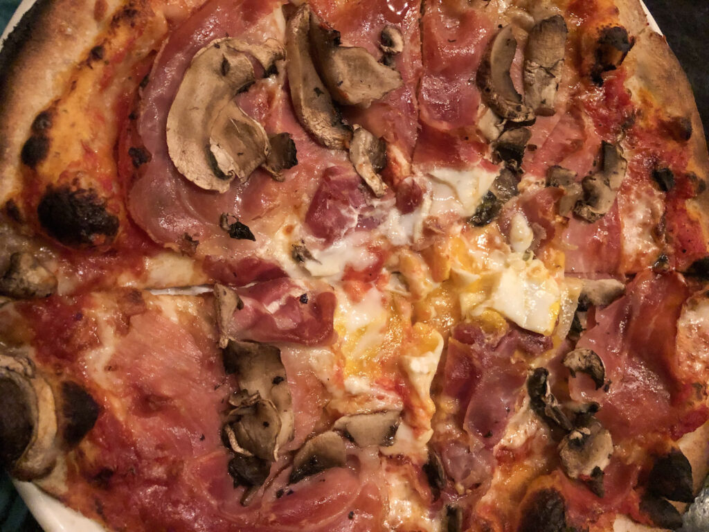 Vito's Pizzeria pizza
