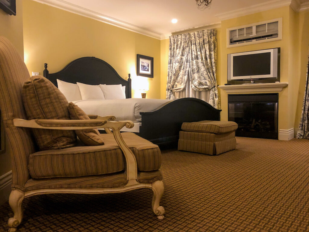 My luxurious room at Niagara Crossing Hotel and Spa.