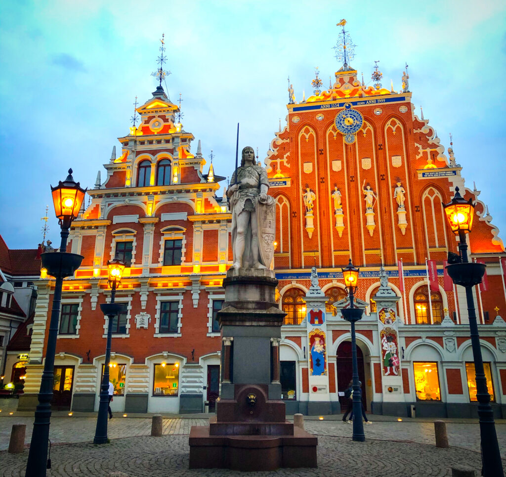 The most photographed building in Riga: The House Of Blackheads. It is really hard to miss that building. Demolished years ago by German and Soviet troops, it's been rebuilt again and again.