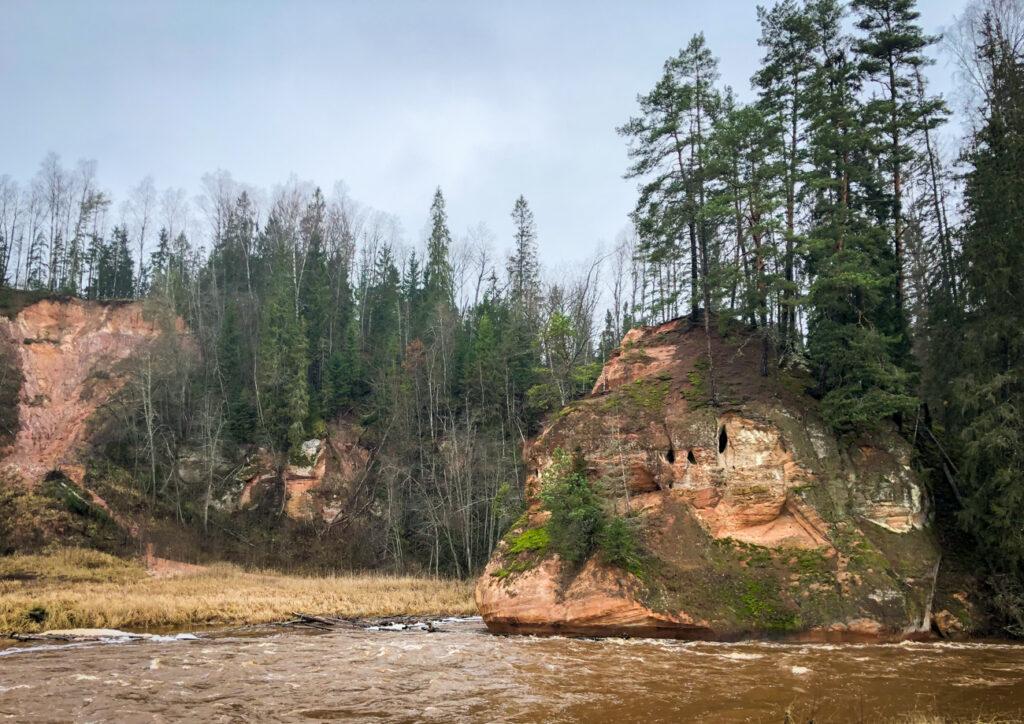 Amata Trail Zvartes Rock