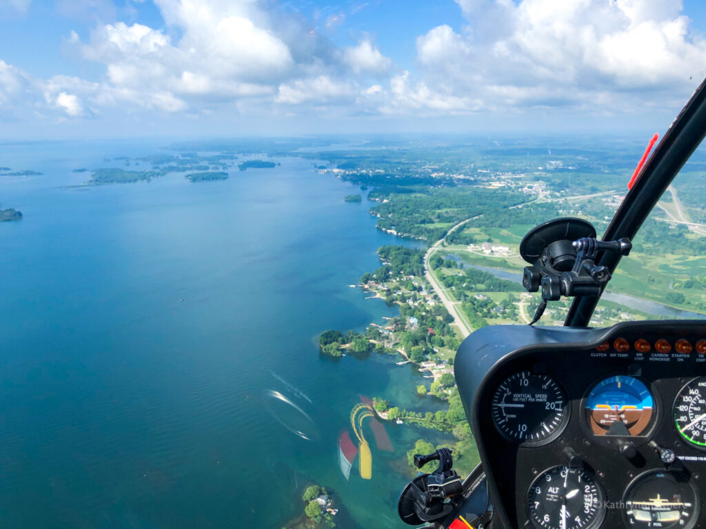 Approaching 1000 Islands in a helicopter