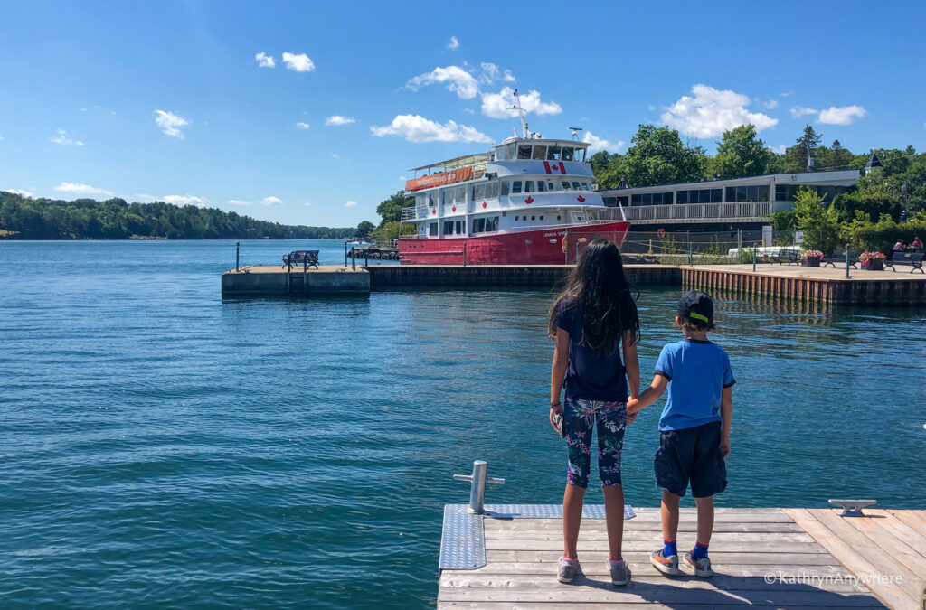 take the kids to rockport, ontario for Rockport Cruise Lines sightseeing in the 1000 islands