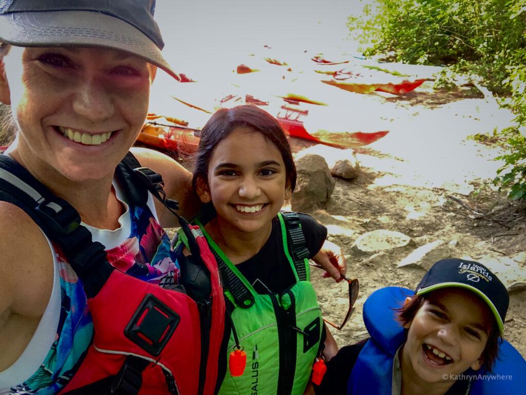 Family kayaking selfie in 1000 Islands