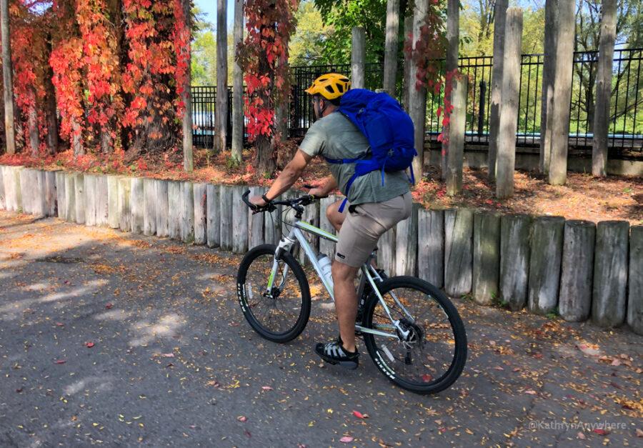 Cycling Around Toronto Islands in Autumn